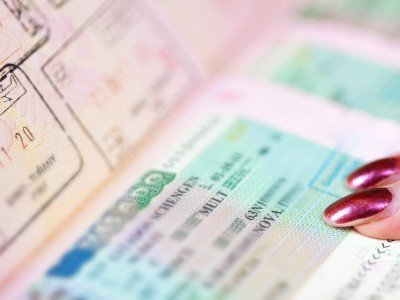Passports with Schengen visa_800x600