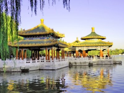 Peking_China Beijing Beihai imperial park five dragon pavilions400x300