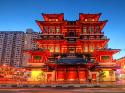 Singapore_Buddha's Relic Tooth Temple inChinatown400x300