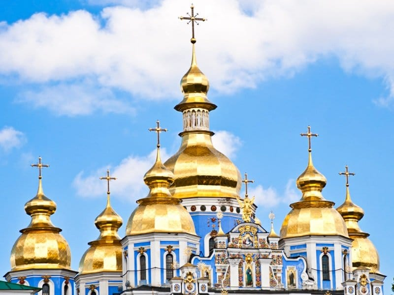 Ukraina_church in ukraine_kirkontorni_800x600