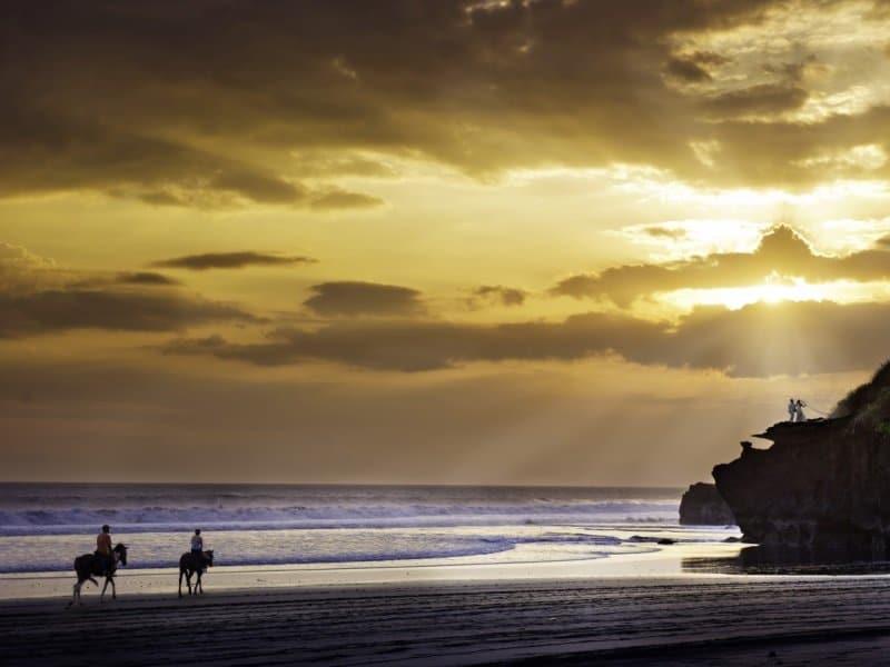Bali_Alila Villas Soori - Horseback Riding 2_800x600