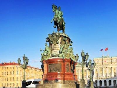 Pietari_ monument to Nicholas I_400x300