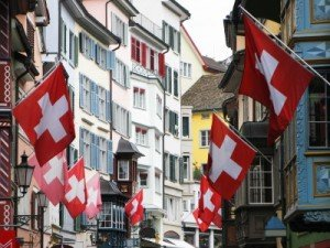 Zurich_Old street in Zurich decorated with flags for the Swiss National400x300