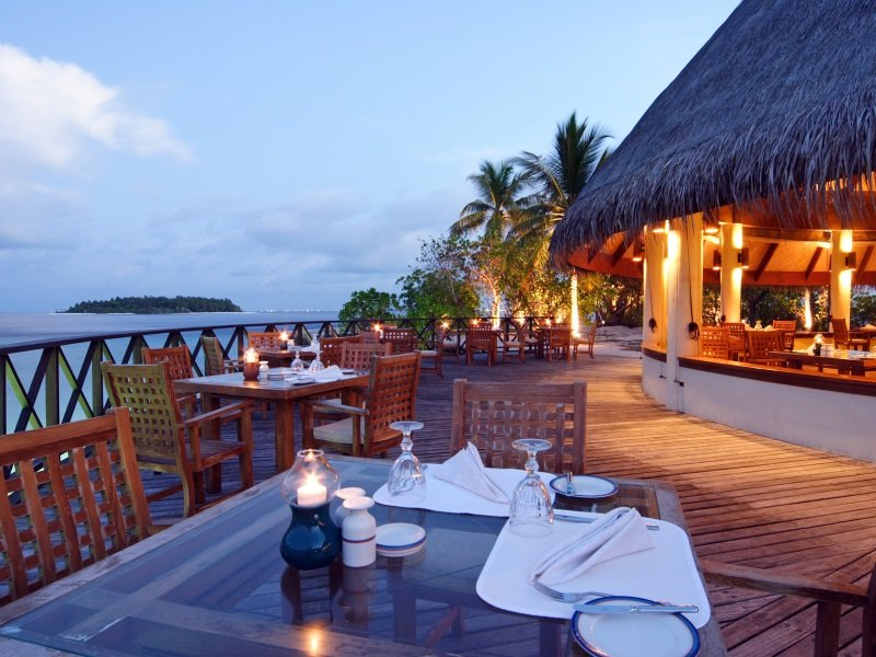 Bandos Islan Resort_Sea Breeze Cafe - Exterior_800x600