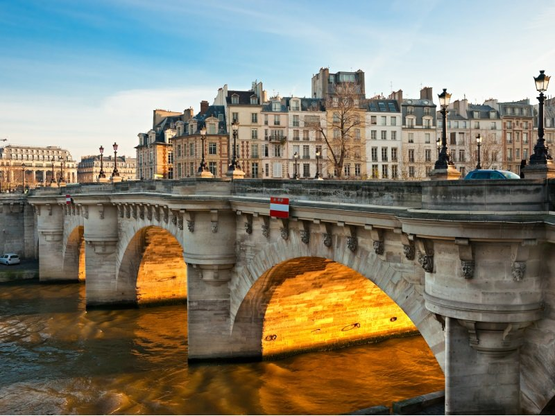 Paris_Pont neuf_800x600