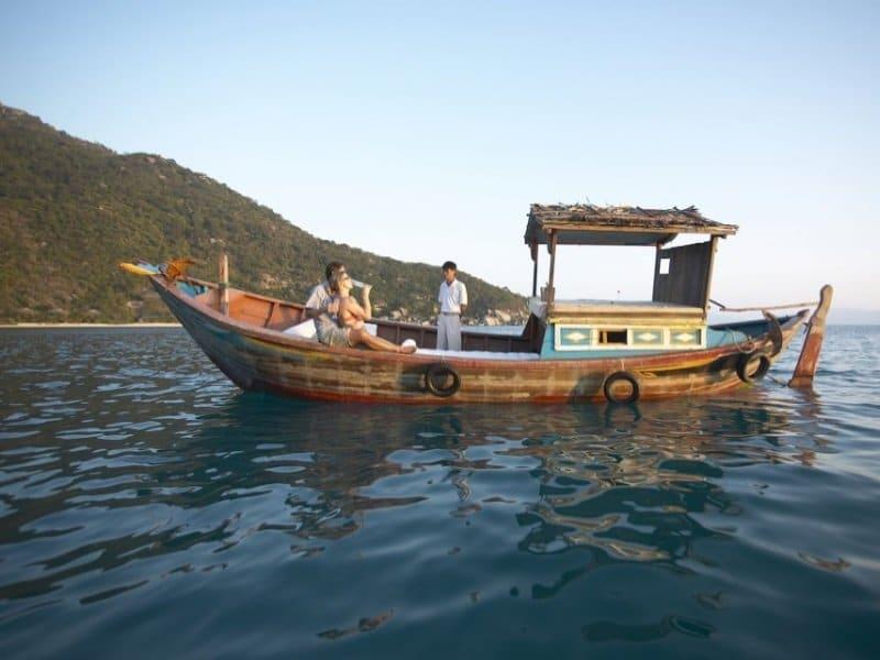 Vietnam_Dinner_Cruise1_800x600