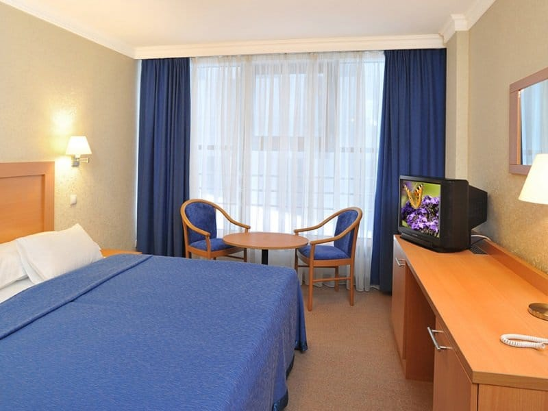 Pietari_Moskva_Hotel_room_800x600