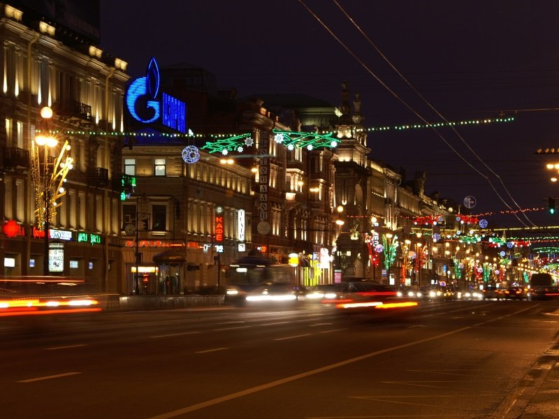 Pietari_Joulu_Nevsky Prospect - the main street of Saint Petersburg, Russia_800x600
