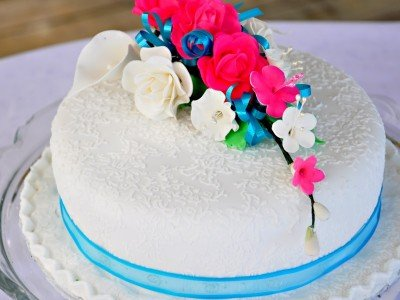 Barbados_EM_bougainvillea_wedding-cake_800x600