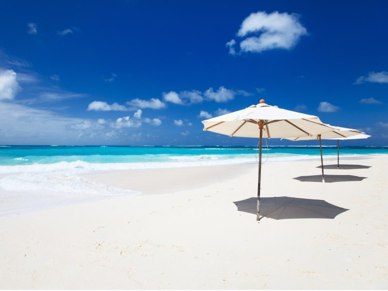 Anguilla_Beautiful beach on Anguilla island, Caribbean_800x600