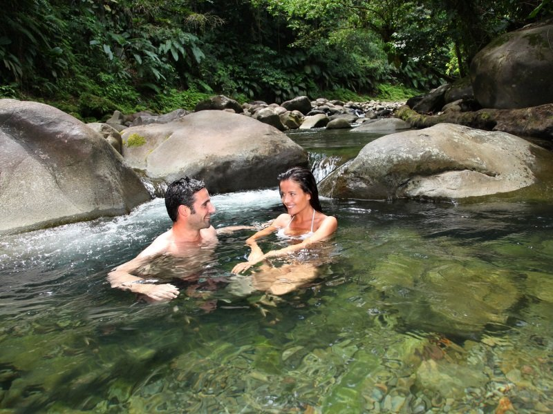 Guadeloupe_Couple having a bath in fresh river water_800x600