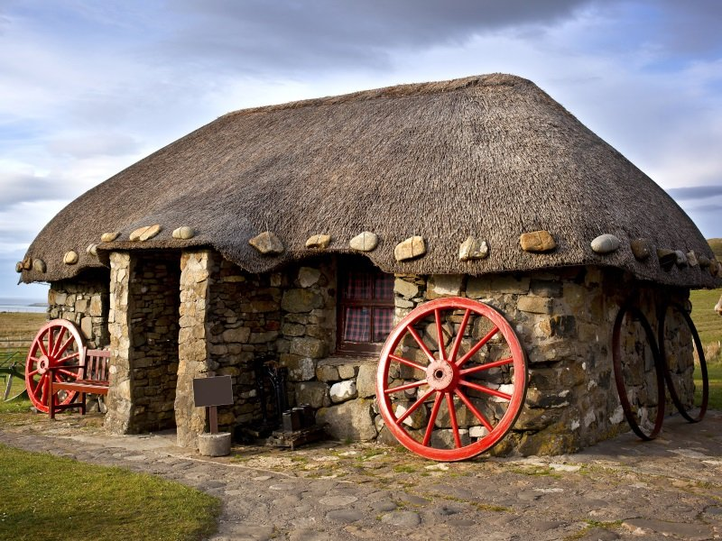 Skotlanti_Thatched Cottages, Isle of Skye_800X600