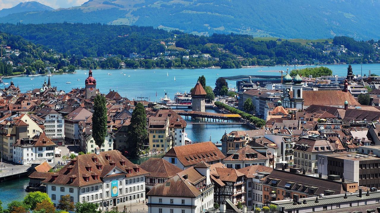 Sveitsi kiertomatka ryhmille