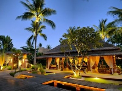 Thaimaa-Zazen-Boutique-Resort-and-Spa-Lobby-8_300x400