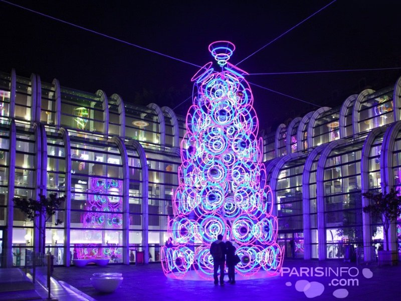 Pariisi_Christmas_bluetree_800x600