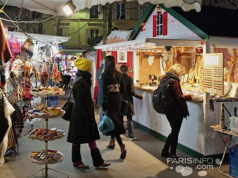Pariisi_Christmas_marketplace_800x600