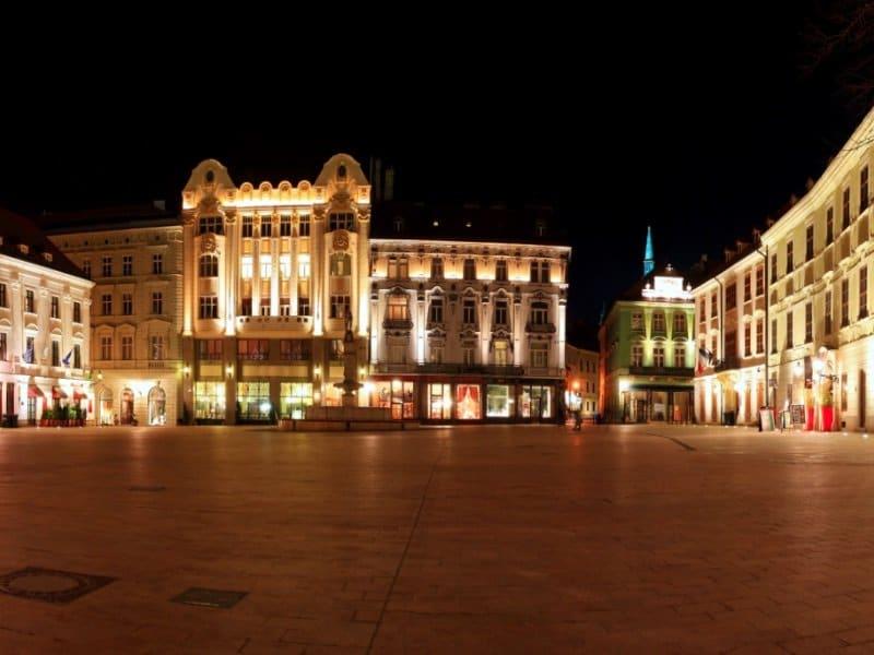 Bratislava_Main sguare_800x600