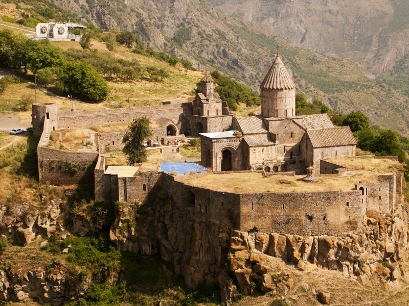 Armenia_Monastery of Tatev is a 9th century Armenian monastery_800x600