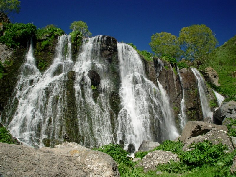 Armenia_Shaki Waterfall, Armenia_800x600
