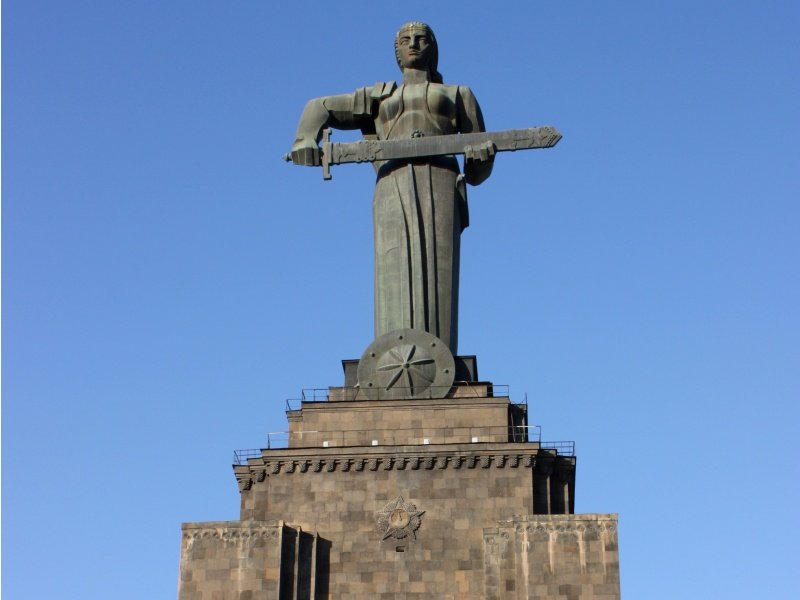 Armenia_The Mother_800x600
