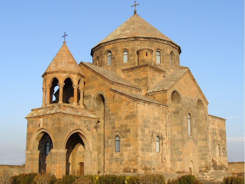 Armenia_The monastery in Transcaucasia_800x600