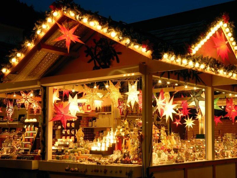 Christmas fair kiosk_800X600
