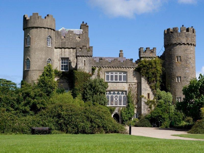 Dublin_Malahide Castle_800x600