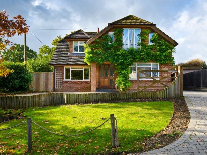 English Village Cottage_800x600