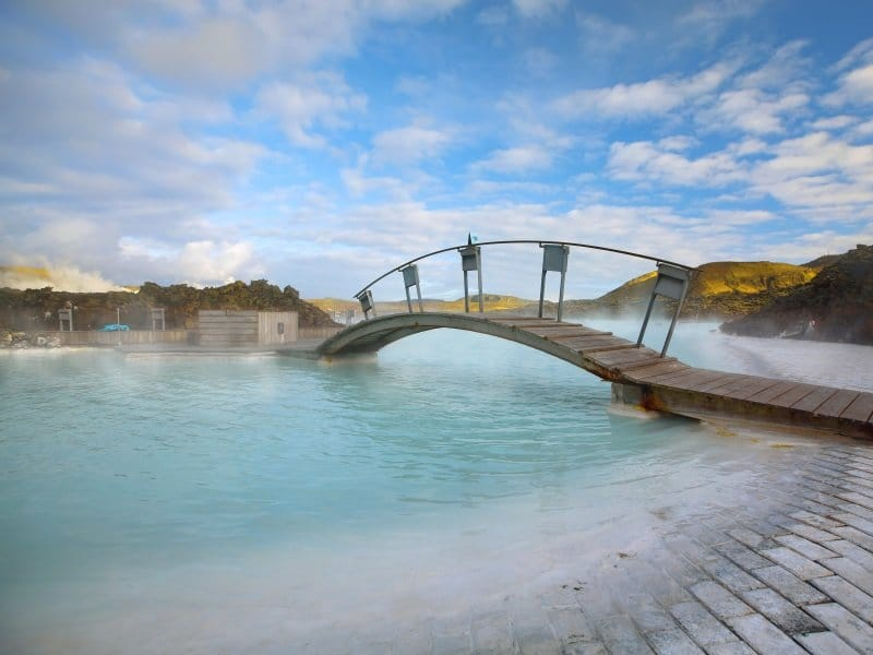 Islanti_ Blue Lagoon on a sunny day in Iceland_800x600