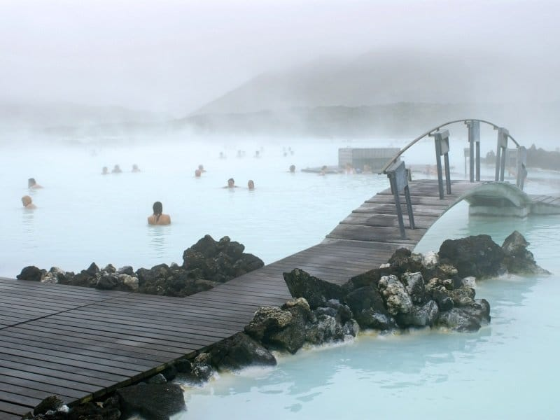 Islanti_Blue Lagoon, a geothermal bath resort in Iceland_800x600