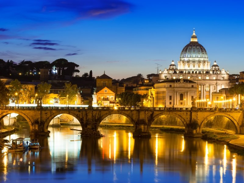 Italia_Rooma_Basilica St Peter and river Tiber in Rome in Italy_800x600