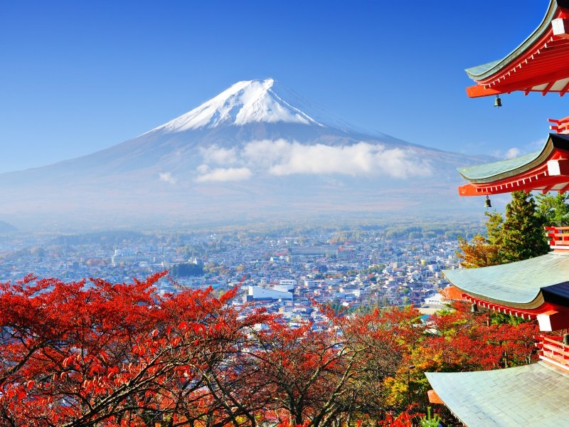 Japani_Mt. Fuji with fall colors in japan_800x600