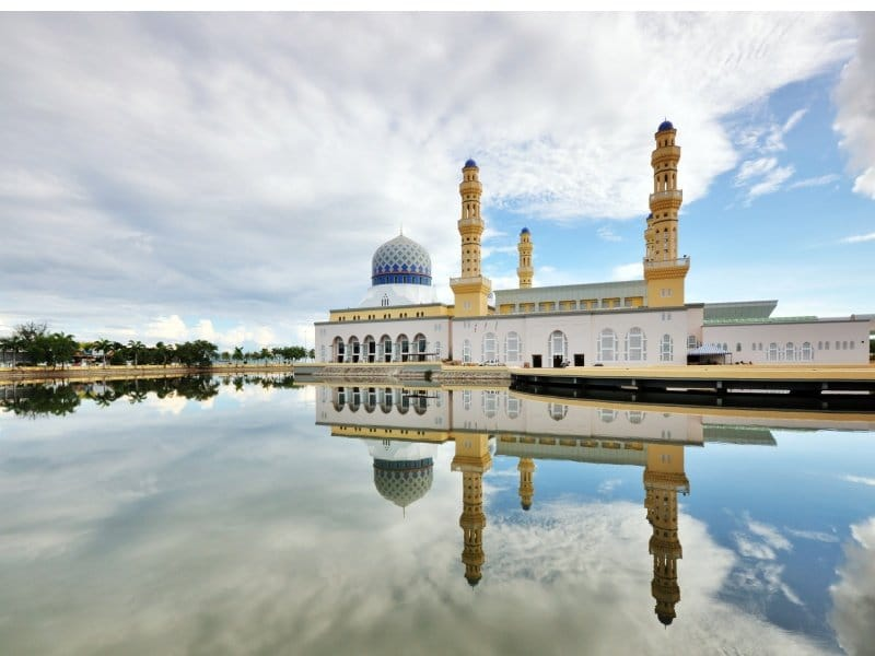 Malesia_Reflection of Mosque_800x600