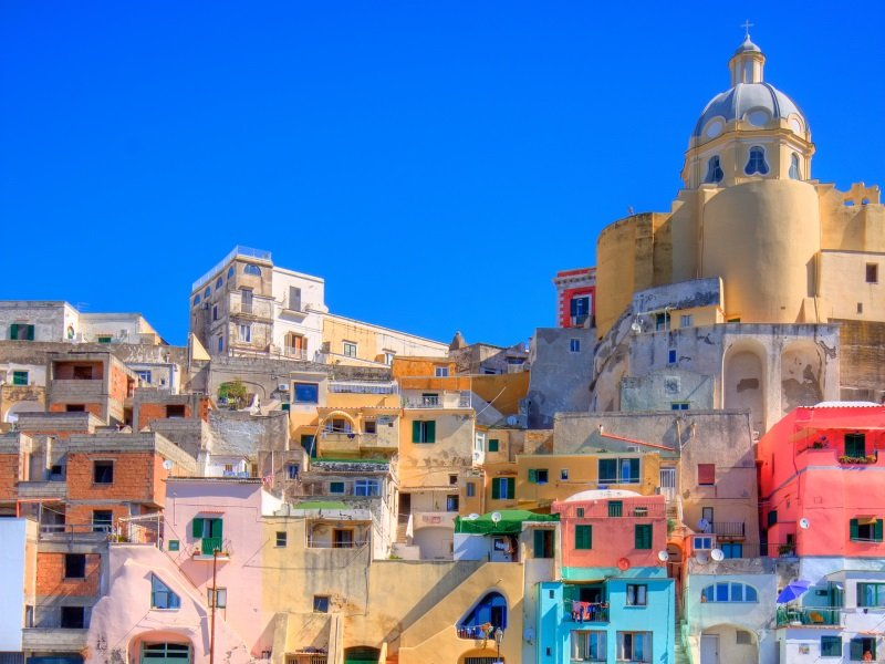 Napoli_Procida, beautiful island in the mediterranean sea_800x600