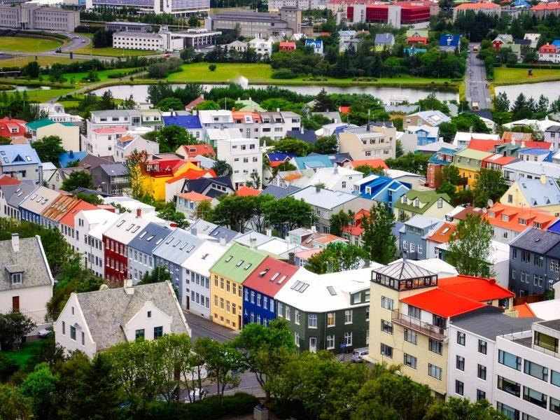 Islanti Reykjavik satujen saarella ryhmille