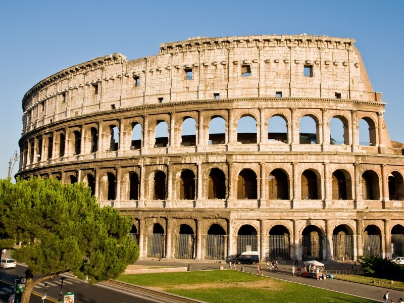 Rooma_colosseum_800x600