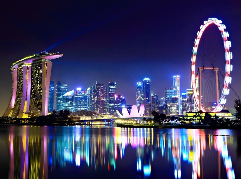 Singapore city skyline at night_800x600
