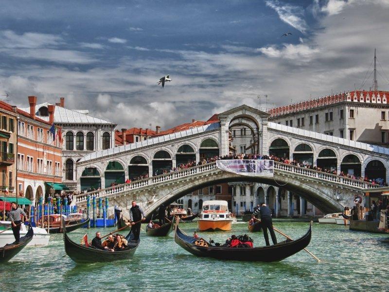 Venetsia_Rialto Bridge_800x600