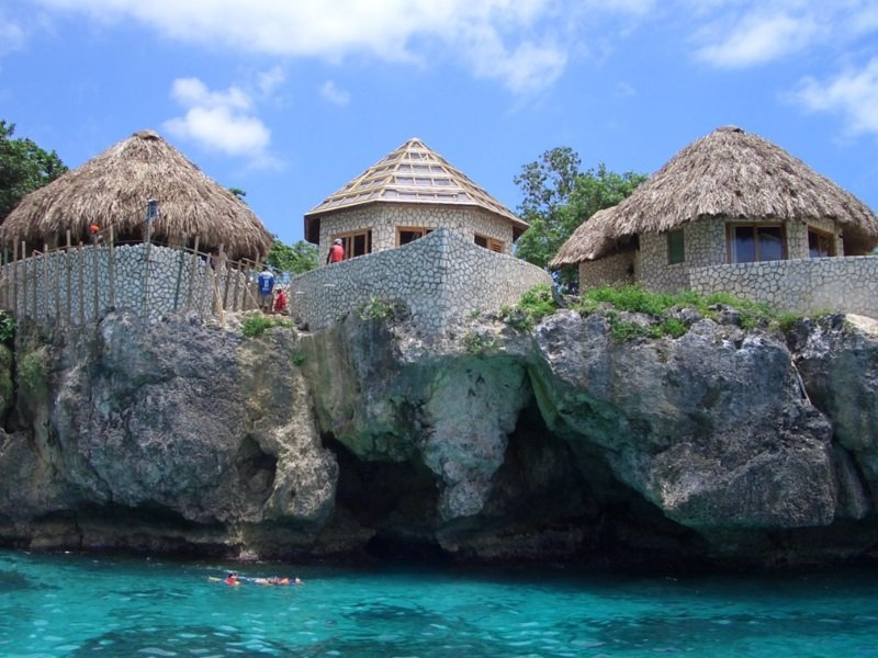 Jamaika_TURQUOISE OCEAN. Building houses on Negril Coast_800x600