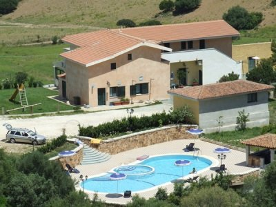 Italia_SardiniamaatilaVrau_400x300