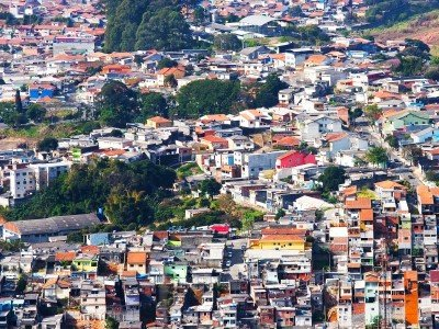 Brasilia_A lot of poor houses in Sao Paulo. View from Pico da Jaragua_800x600