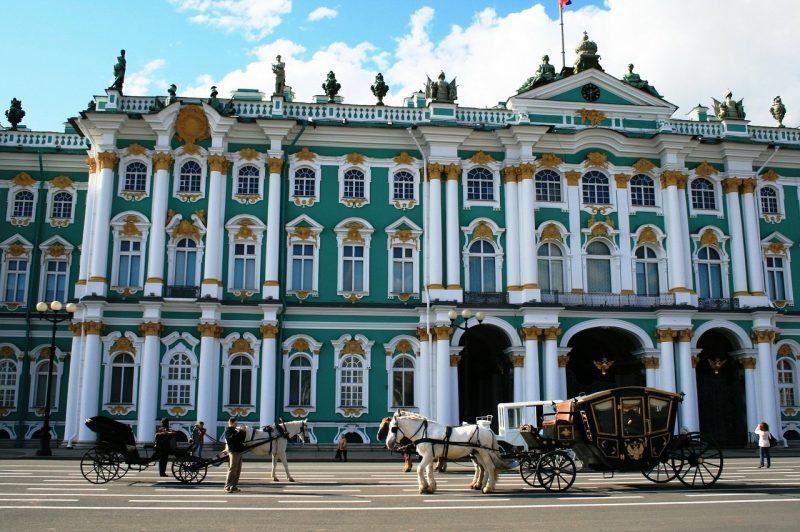 Venäjä-Pietari-Eremitaasi-päivällä-1280