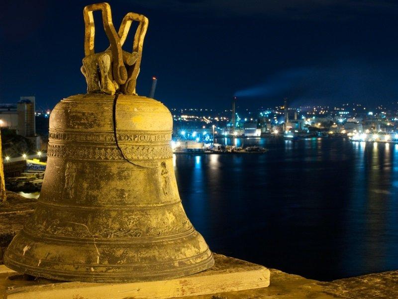 Malta_Siege Bell War Memorial_800x600