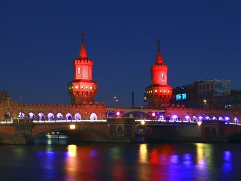 Saksa_Berlin_Spree_Oberbaum Bridge over the Spree, evening_800x600