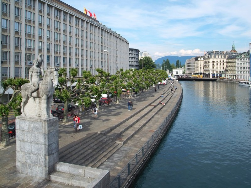Genova_General view of Geneva_800x600