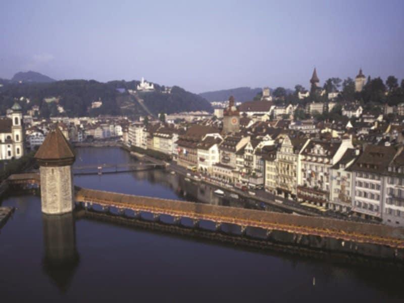 Sveitsi_Fins_Luzern-kapellbrücke2_800X600