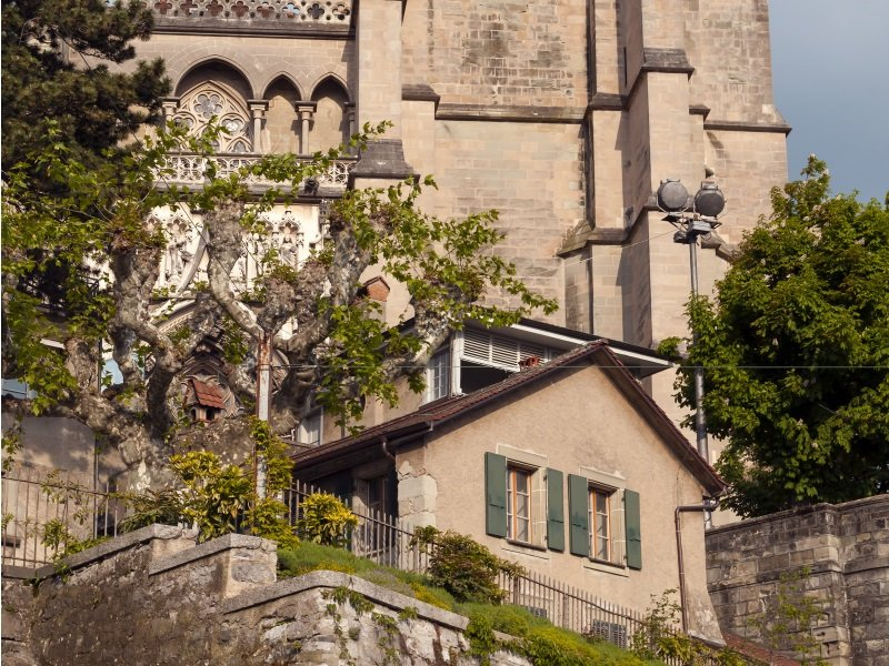 Sveitsi_cathedral of Lausanne_800X600