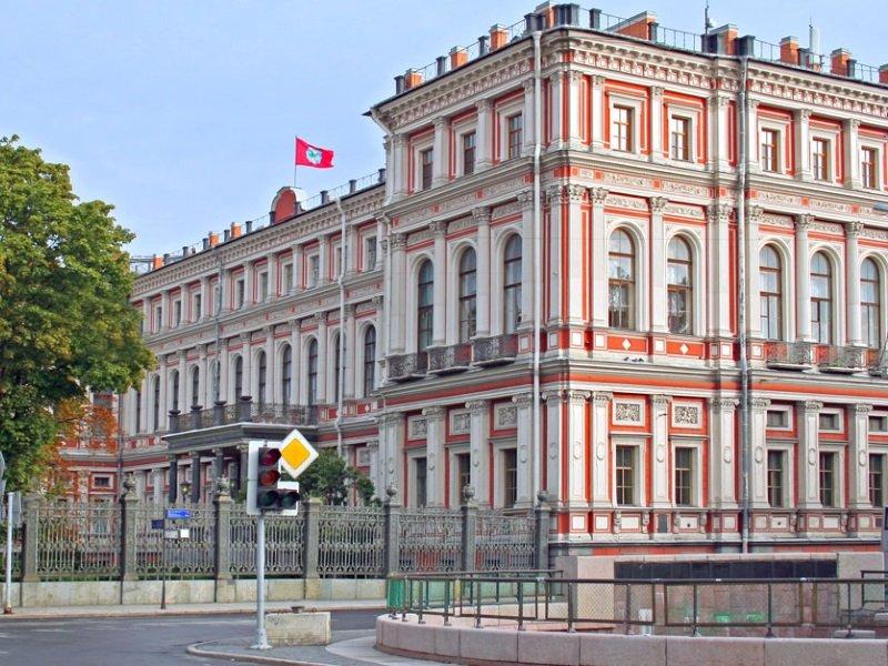 Vnäjä_Pietari_Nikolain palatsi_800x600