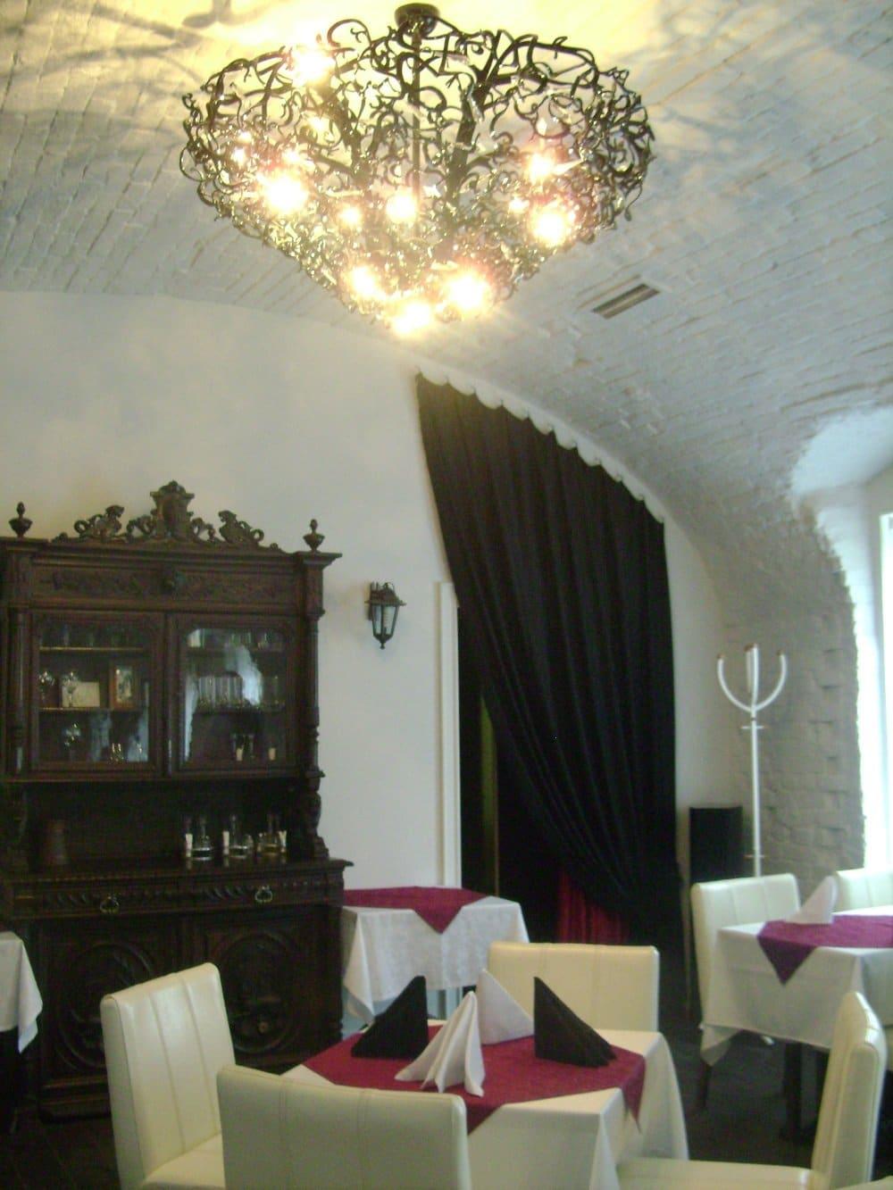 Viipuri Hotelli Letushnaja Mysh ravintola