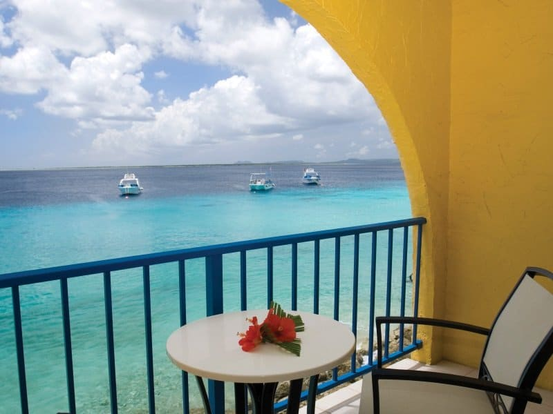 Bonaire_Divi_Flamingo_Beach_Resort_Casino_Deluxe room_balcony_800x600